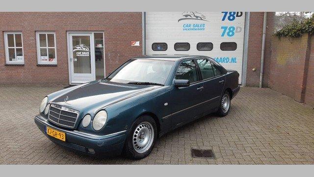 Mercedes E 300 TURBODIESEL